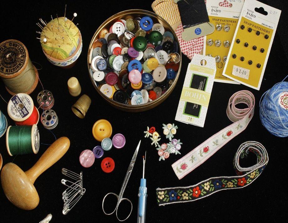 sewing-955333-1280--1-.jpg