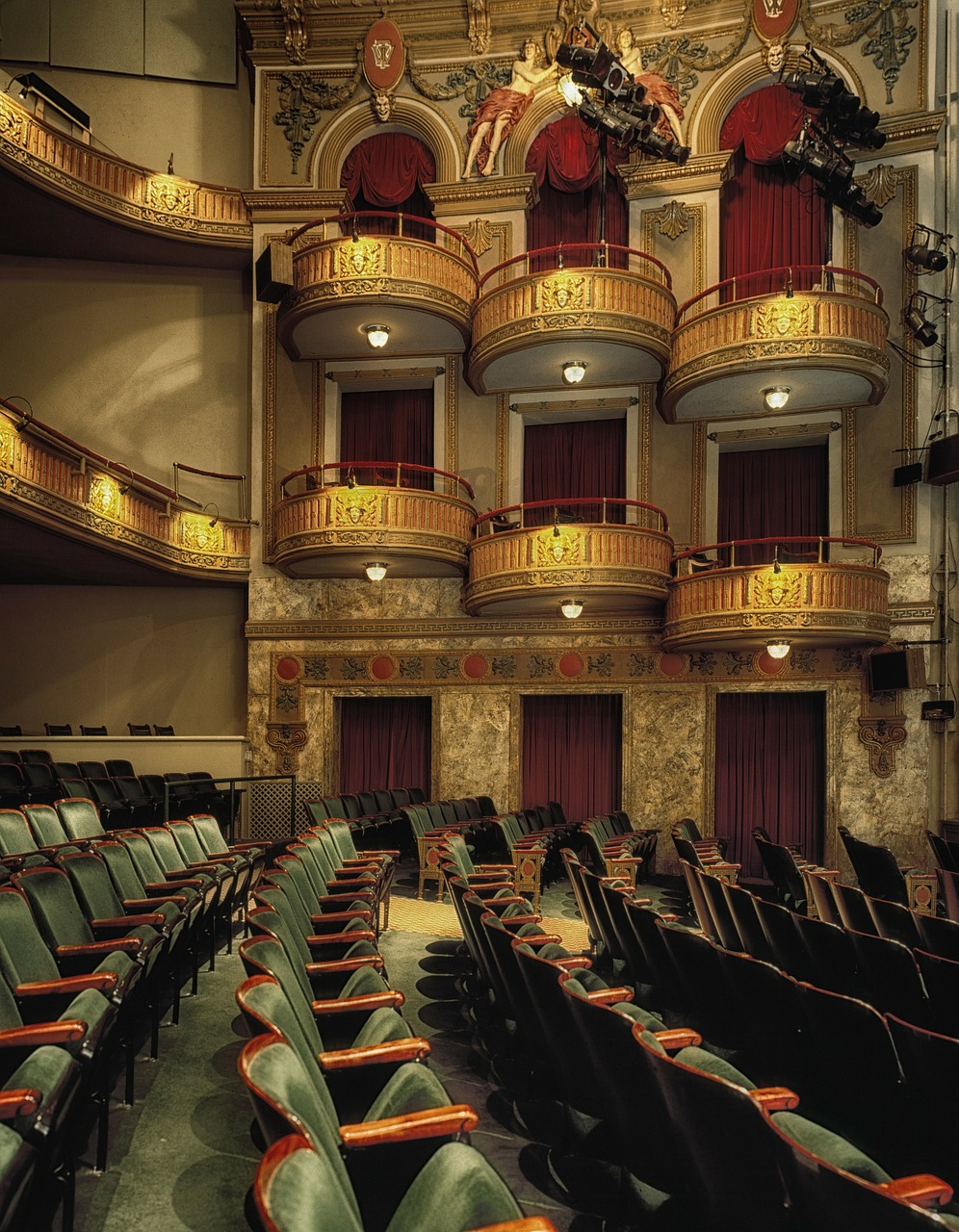 theatre-15.jpg